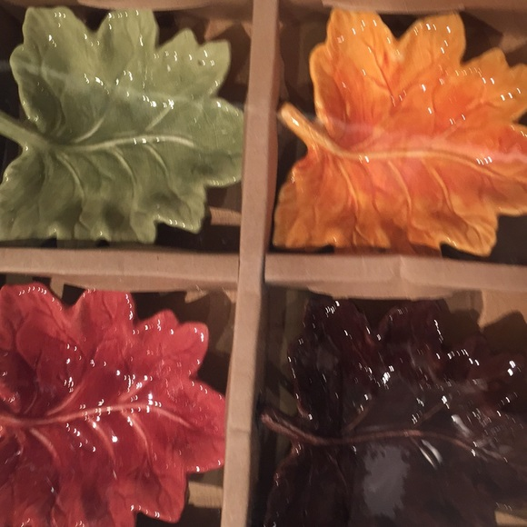 Tabletops Lifestyles Other - Home, 4 dip dishes, maple leaves, NWT